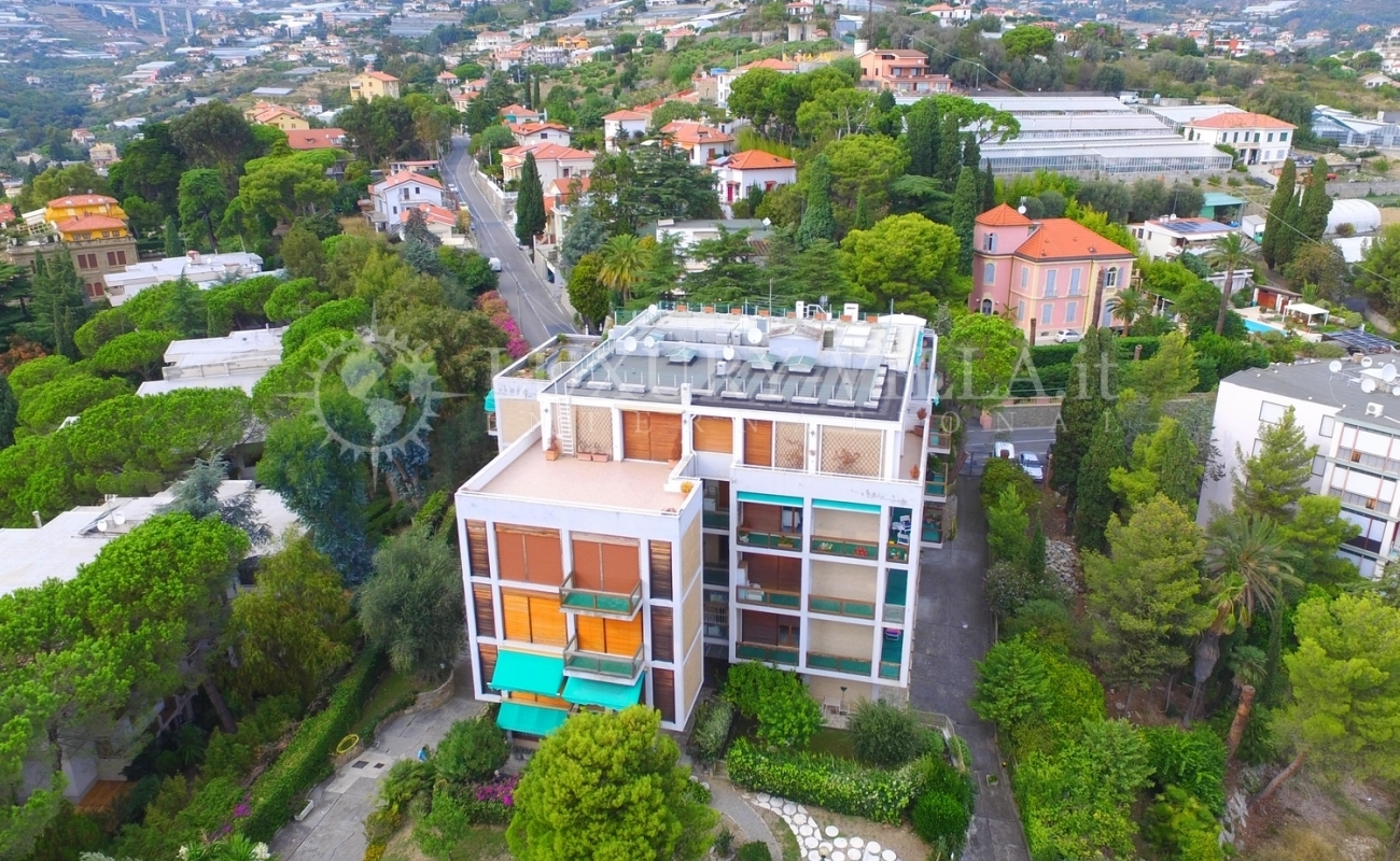 Продается квартира с видом на море в Сан-Ремо